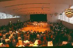 Stadtgartensaal mit Bühne