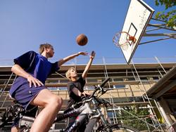 Basketball mit dem Rad