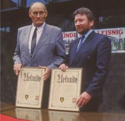 Urkunde der Städtepartnerschaft 1990